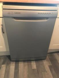 Essential family silver dishwasher freestanding