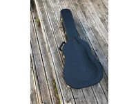 Guitar case (Guild). Excellent condition.