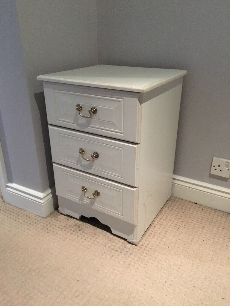 White Chest of Drawers - Small - Bedside