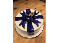 Ceramic cake plate and cover