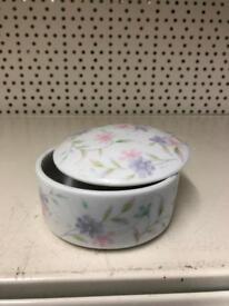 Little pot with lend