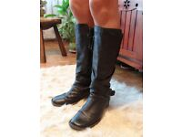 Dr Martens leather winter boots UK 8
