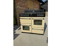 Large Belling Range Cooker in very good condition