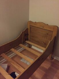 SLEIGH WOODEN SINGLE BED