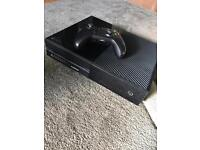 Xbox one, very Good condition, controller
