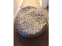 Baby bean bag with 2 top covers
