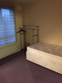 Fully furnished room in the city centre of Cambridge.