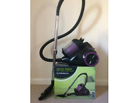 Vaccum cleaner with turbo pet brush