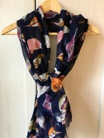 Birds print beautiful scarf