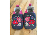 0-6 months baby girls shoes - JoJo flower leather baby booties NWOT