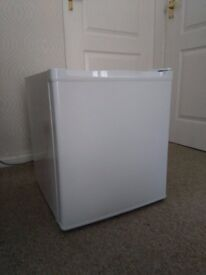 Curry's tabletop freezer, almost new, still on guarantee! Works perfectly!