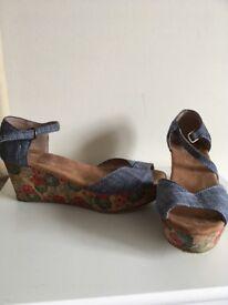 Ladies toms wedge sandals. Size 3
