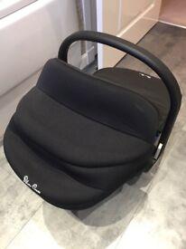 Silvercross Car seat in a lack