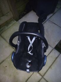 Maxi Cosi Cabriofix Car Seat Good Condition black Colour