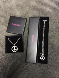 Coleen necklace and bracelet