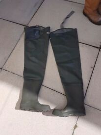 Waders (thigh) size 8
