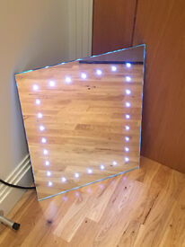QUICK SELL BARGAIN - BNIB Luxury bathroom LED Mirror with sensor (worth £110) Amazing deal