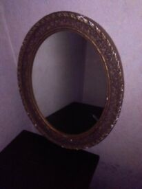 antique mirror in very good condition I recommend