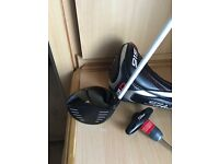 Titleist 915 d2 driver 10.5 with stiff Aldila shaft as new 2week old
