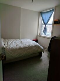 Large double bedroom Upper St Islington, tube 1min walk (all bills included)