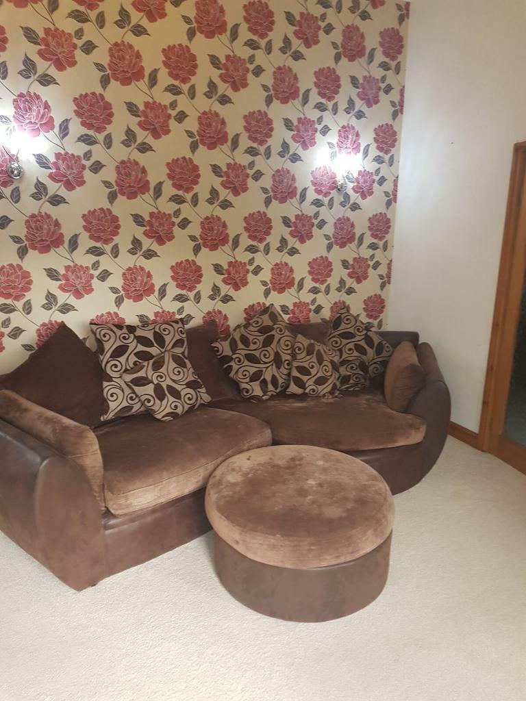 4 Seater sofa in very good condition