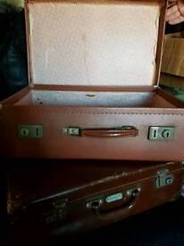 Vintage suitcase x2