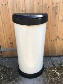 Kitchen bin