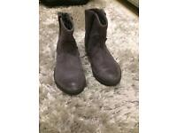 girls clarks grey leather distressed ankle boots size 8 1/2 F