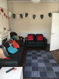 6 bedroom house in Colum Rd, Cardiff, CF10 3EF
