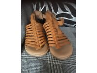 Clarks sandals size 6 still labeled