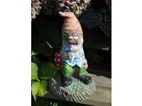 Vintage Cast Stone Classic Sitting Gnome Garden Ornament Statue 32cm Tall