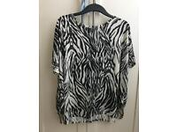 H&M Batwing Top size small