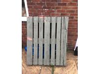 FREE 3 wooden palletts