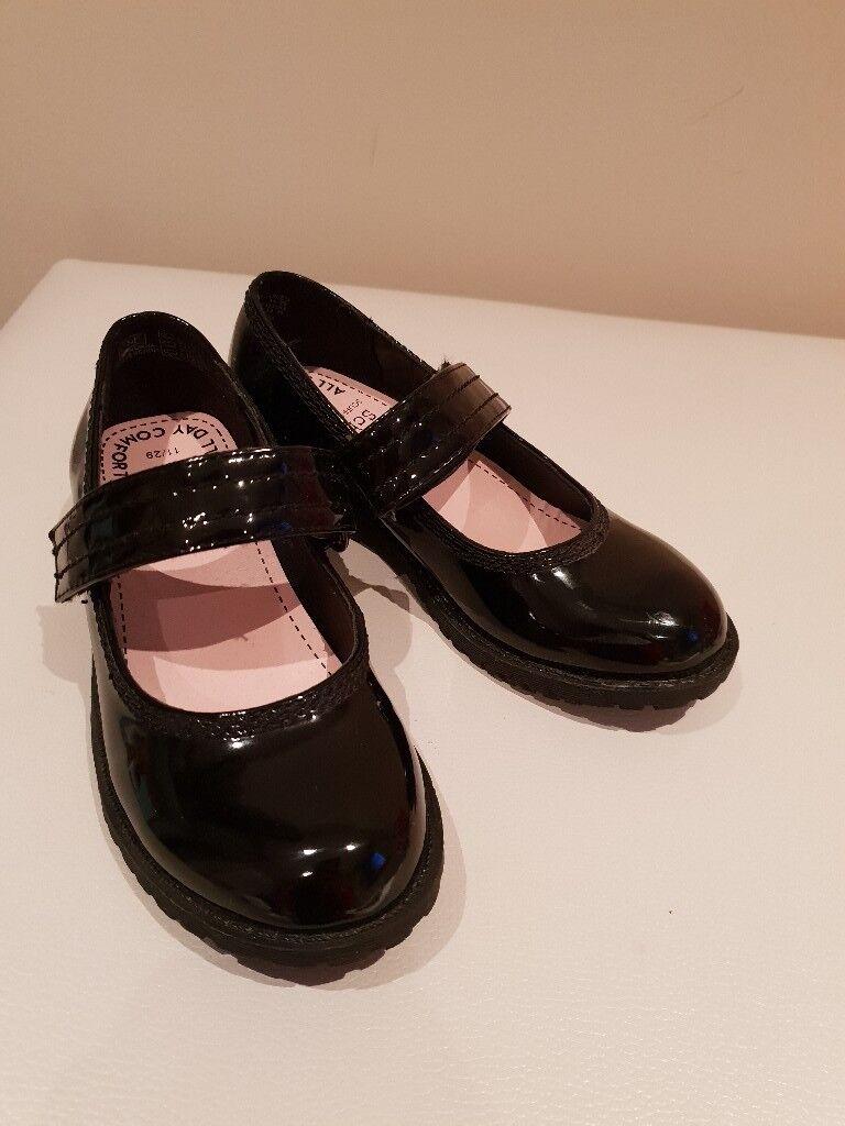 Girls school shoes  8ae7e661317c