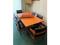Dining room extendable table and chairs (x6)