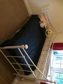 Single bed / day bed SOLD