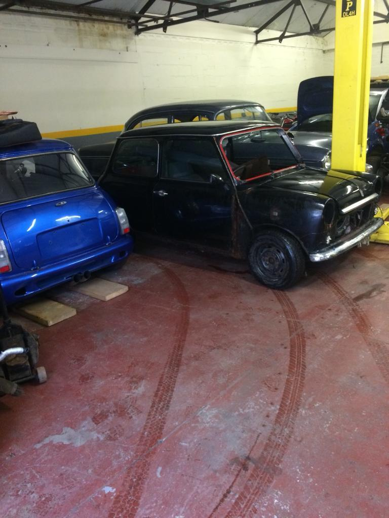 Mini wanted classic or bmw