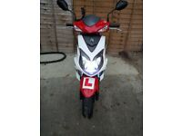 Scooter sym jet 4 stroke 125cc very good condition