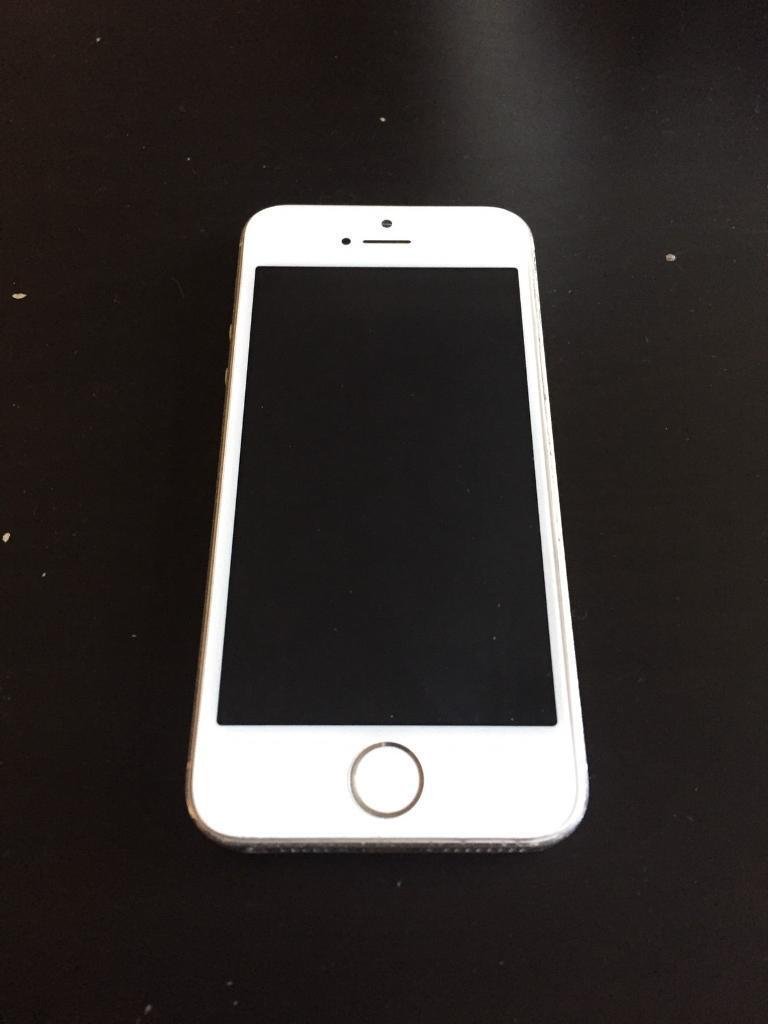 iPhone 5s white/ silver 16GB Unlocked Boxin Bradford, West YorkshireGumtree - iPhone 5s in white/ silver. It is 16GB. It comes with it original box, with charger and manual. Everything works perfect. Used it on o2 network, i think it is unlocked. Back of phone has marks from coins when was in pocket and sides have couple of...