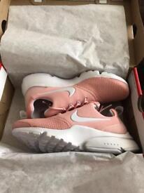 Nike Air Presto Fly - Size 5