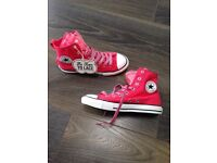 BNWT converse trainers size 4.5