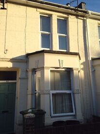 WELL CARED FOR, FIVE BEDROOMED, STUDENT HOUSE IN SOUTHSEA, PORTSMOUTH