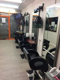 Barbers & hair stylists wanted