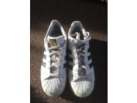 Adidas white superstar trainers size 5.5