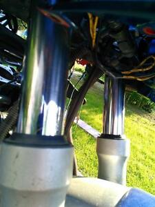 KAWASAKI ZX10 NINJA 1000 1986 COMPLETE FRONT END SUSPENSION Windsor Region Ontario image 3
