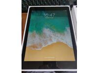 iPad 9.7 inch 32GB Wifi 5th Gen - Excellent condition