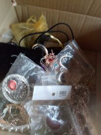 Costume jewellery new job lot offers
