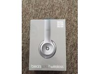 (New & Sealed) Beats Solo 2 Wireless Headphones: Space Gray