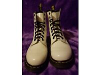Dr Martens DMs Docs White patent leather 1460w size 5