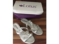 Silver Lotus Shoes Size 5 **Worn Once~VGC**